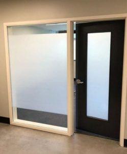 puerta cristal opaca