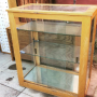vitrina madera cristal