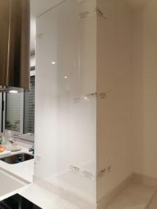 paneles para frentes de cocina de cristal