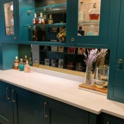 panel frente cocina espejo