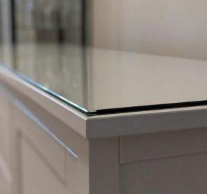tablero de vidrio blanco