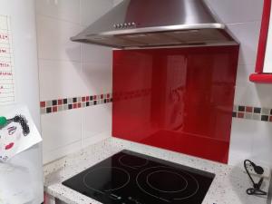 panel de vidrio con salpicadero de cocina